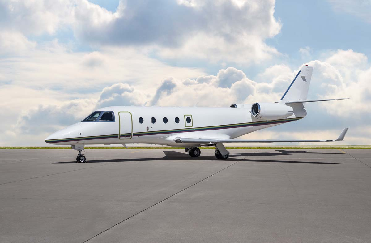 Skyservice Chater Fleet Mid-Sized Jet Gulfstream G150 Exterior